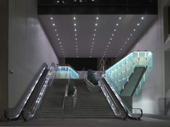 55-Water-Street-Plaza_Entry-Night
